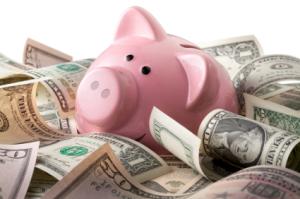 Piggy-bank-and-money